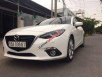 Bán Mazda 3 đời 2016, màu trắng, giá 700tr