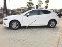 Cần bán xe Mazda 3 Facelift đời 2017, màu trắng