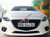 Cần bán lại xe Mazda 3 sản xuất 2017, màu trắng xe gia đình