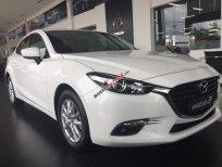 Giao tận nhà, Mazda 3 sedan màu trắng, bảo hành chính hãng 5 năm, hỗ trợ vay ls thấp. LH 0975768960