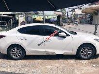Cần bán gấp Mazda 3 2017, màu trắng giá cạnh tranh