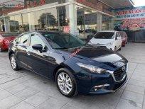 Cần bán Mazda 3 năm 2017, màu xanh lam xe còn mới lắm