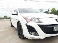 Cần bán gấp Mazda 3 AT năm 2010, màu trắng số tự động