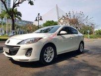 Cần bán gấp Mazda 3 1.6 MT sản xuất năm 2012, màu trắng số sàn, giá chỉ 365 triệu