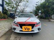 Bán xe Mazda 3 2.0 sản xuất 2016, màu trắng, nhập khẩu