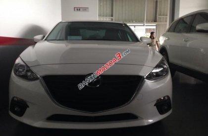 Bán Mazda 3 sản xuất 2016, màu trắng, 700tr