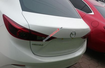 Bán xe Mazda 3 2.0 AT đời 2016, màu trắng giá cạnh tranh