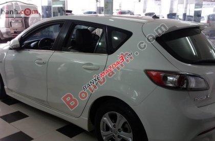 Cần bán Mazda 3 đời 2011, màu trắng, chính chủ