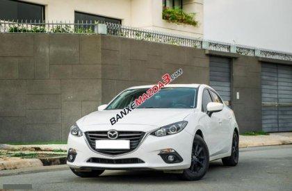 Bán Mazda 3 1.5 sản xuất 2015, màu trắng như mới