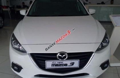 Bán Mazda 3 1.5 SD đời 2016, màu trắng, nhập khẩu, giá tốt
