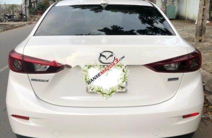 Cần bán lại xe Mazda 3 2.0 đời 2015, màu trắng như mới