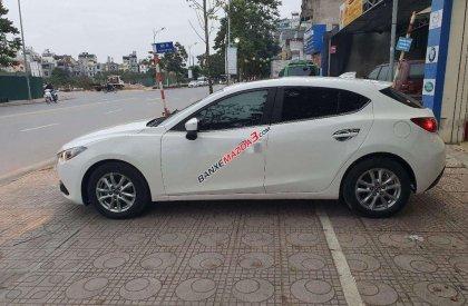 Cần bán xe Mazda 3 sản xuất năm 2015, màu trắng